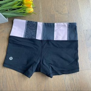 Lululemon groove shorts, black with grey pink, 2